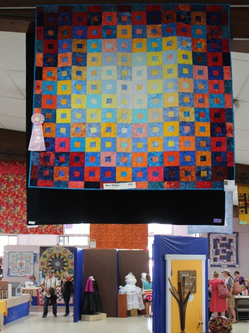 Squares, squares in a Circle quilt at Sonoma Co Fair